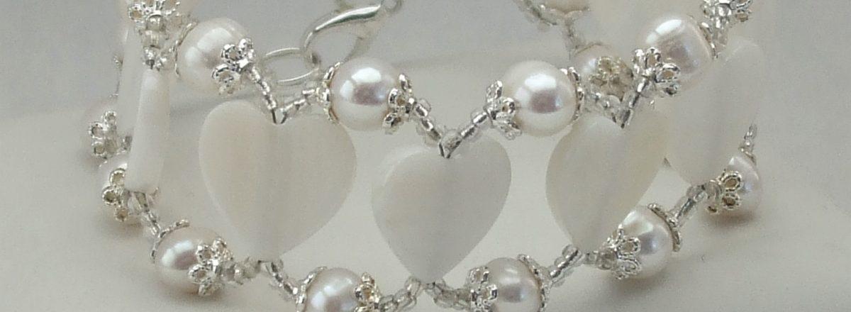 BC021 white pearl mop pearl heart bracelet $34 (13)