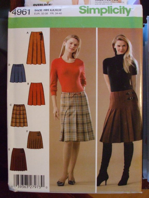 6 styles pleated skirts quilt style Sewing pattern Sz 6-12, 14-20  Simplicity #4961