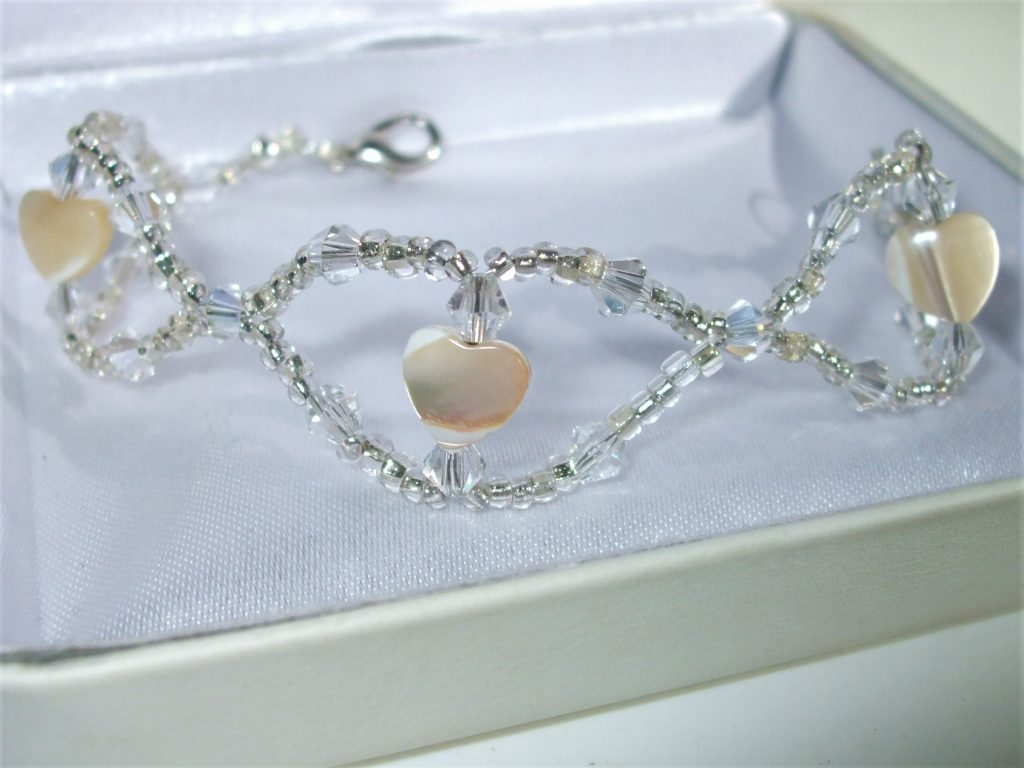 Sparkling crystals bracelet mother of Pearls hearts genuine silver Czech glass bead BC026