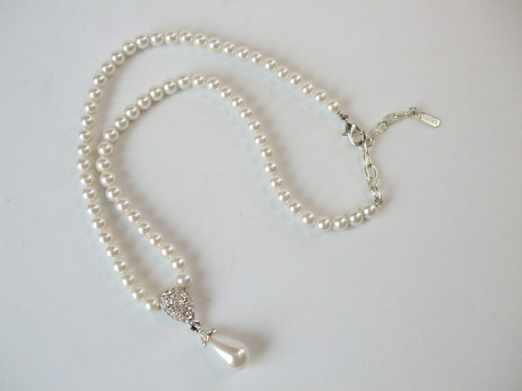 and pearl strand pin marvella set faux necklace white bracelet